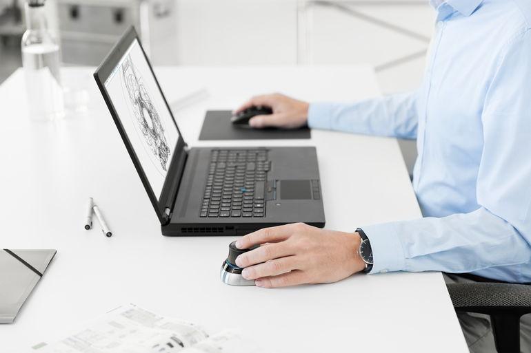 CAD-Arbeitsplatz der Zukunft für Mobilität, Ergonomie und Flexibilität.