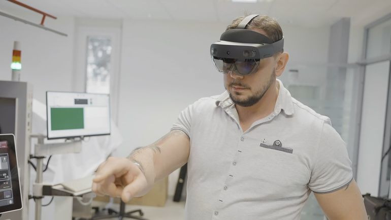Hilpert Electronics AG die Mixed-Reality-Brille Hololens