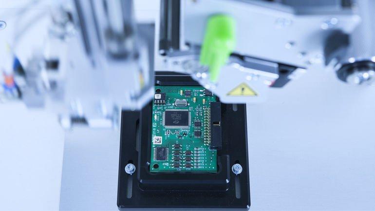 Kennzeichnung von cab erfüllt hohe Anforderungen der Elektronikindustrie