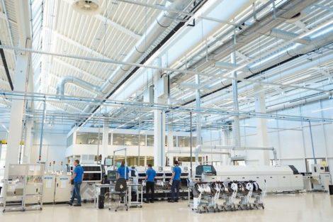 Angepasstes Fertigungsequipment für hohe Qualität