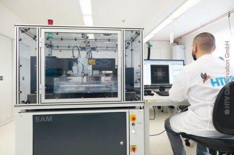 HTV-Institut mit zerstörungsfreiem Verfahren der Ultraschall-Mikroskopie