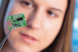 Sicher funktionierende Baugruppen trotz Miniaturisierung durch Microcare