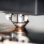 Laserstrahlung ist optimal zur Anfertigung von Präzisionsschnitten und damit zur Herstellung von exakten SMD-Schablonen.