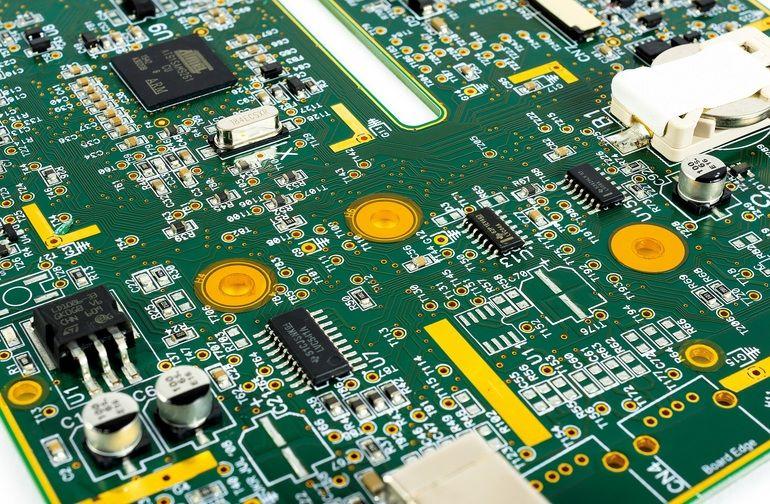 Sensible Bereiche von Elektronik vor Heißprozessen geschützt.