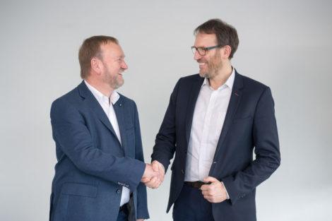Viscom verabschiedet Reinhard Pollak und stellt Nachfolger vor.