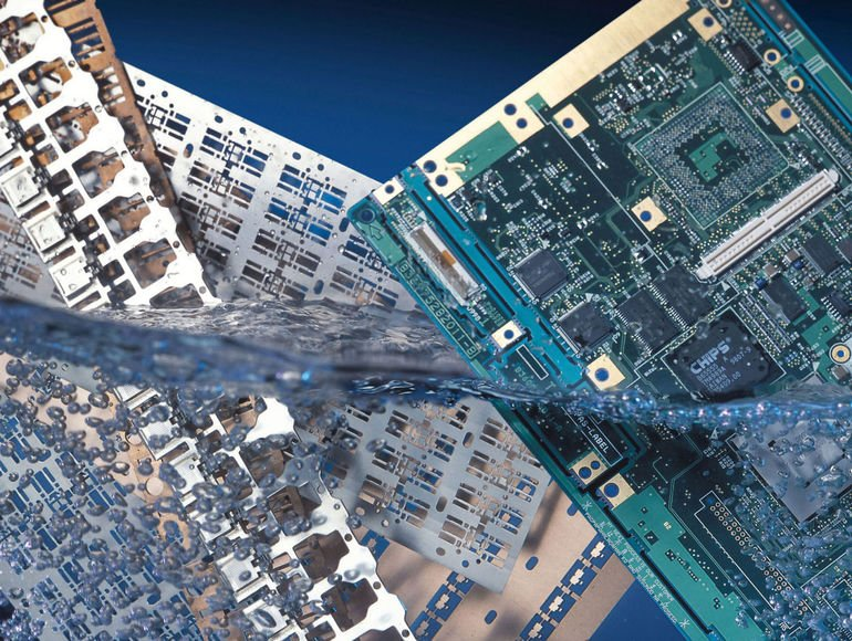 Reinigung von Leistungselektronik und Baugruppen.