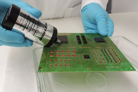 Coating Layer Test mit PCB, Zestron